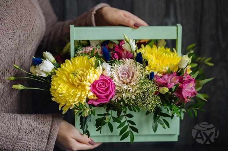 В цветАХ  (Сеть цветочных магазинов) podolsk